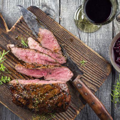 Meža gaļa, Vīns, Nazis, Recepte