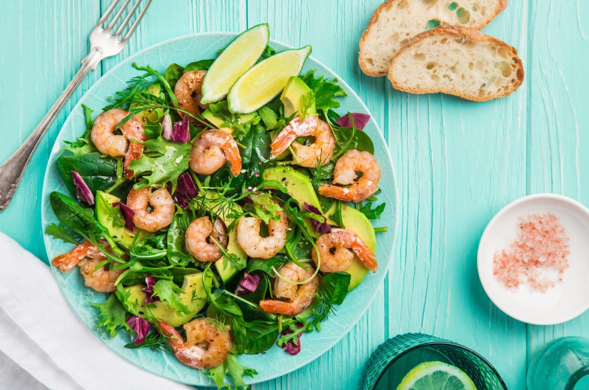 Garneļu un avokado salāti