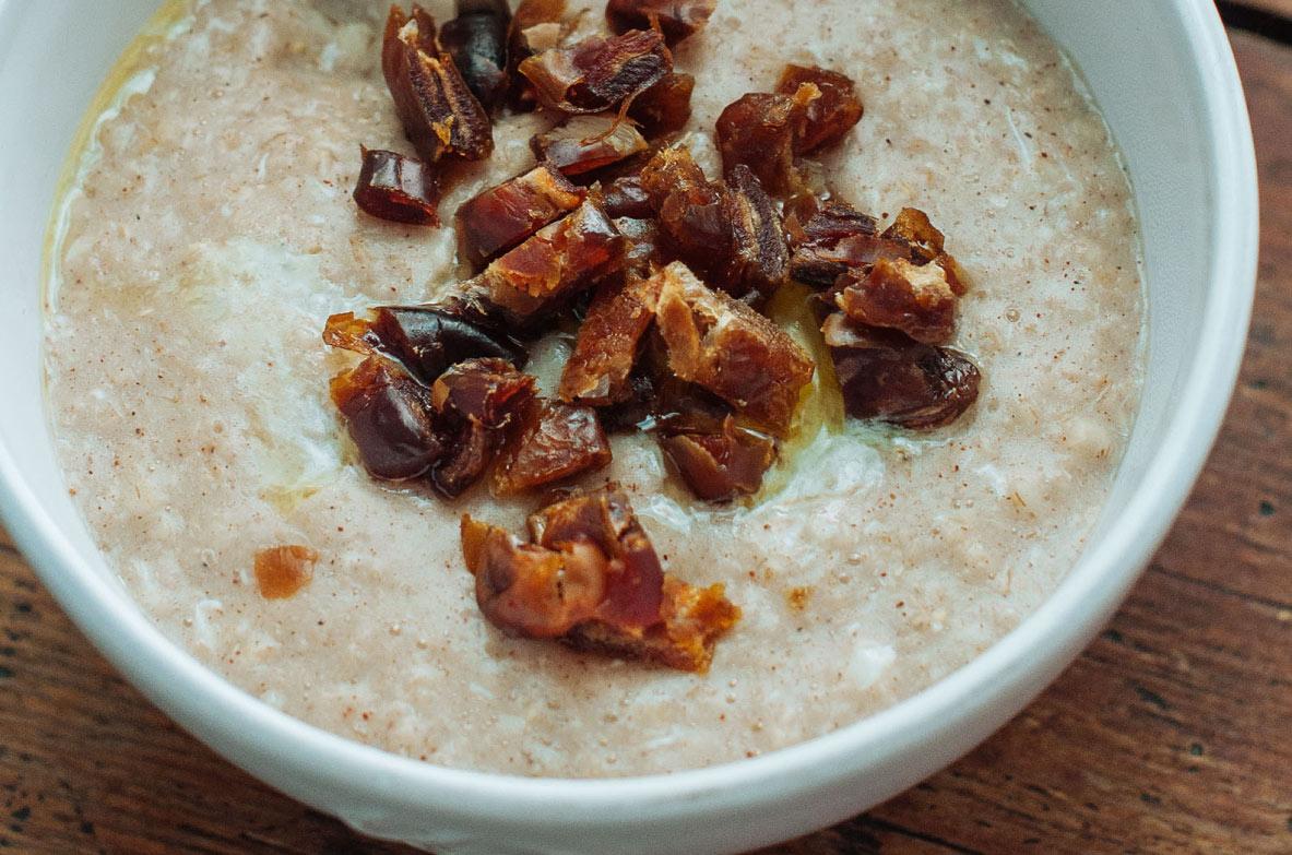 Kvinojas, chia sēklu un auzu pārslu mix