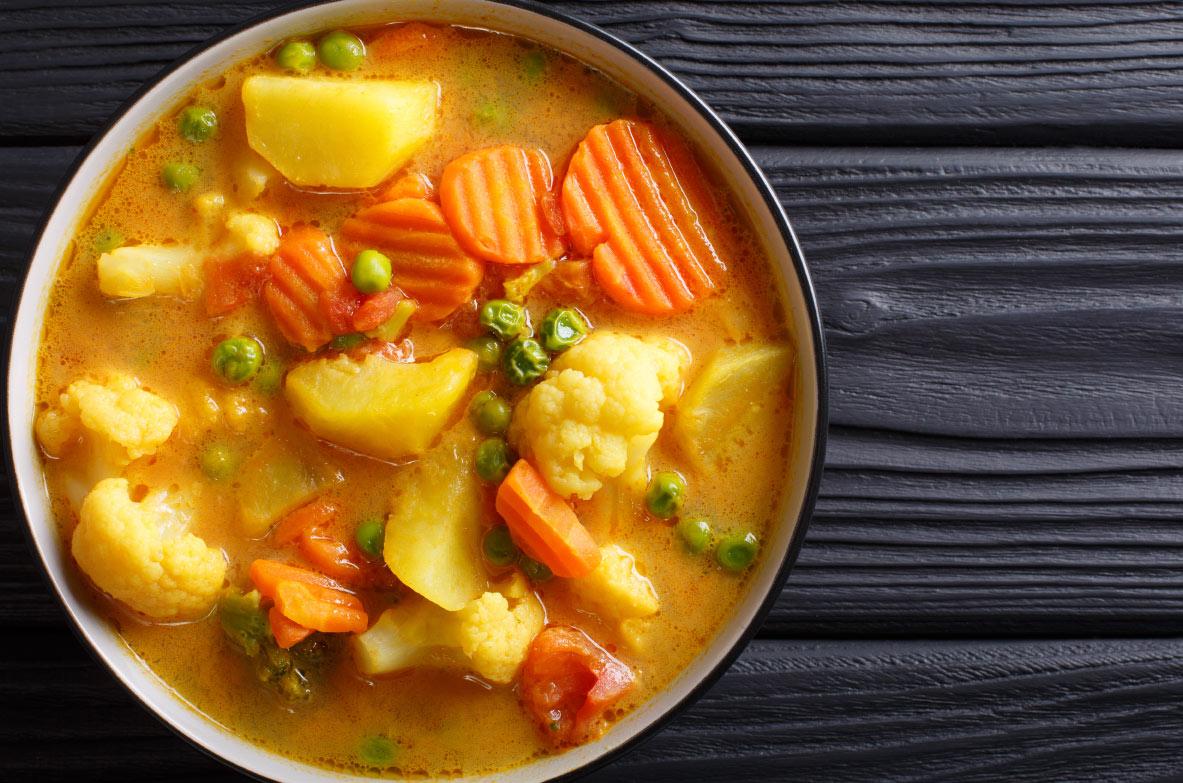 Cepta puķkāpsota un kartupeļu karija zupa