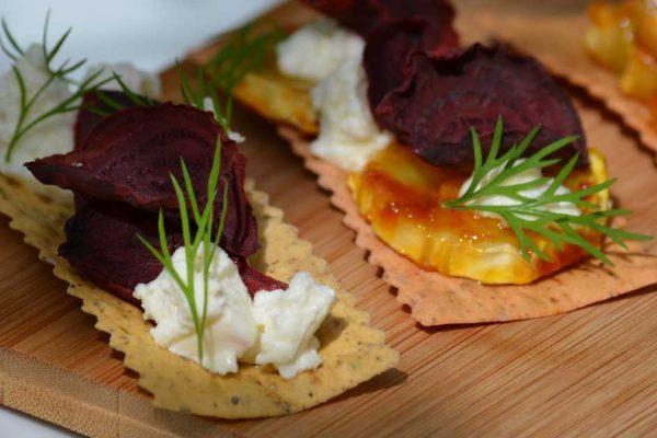 Krekeri-ar-bietēm-un-sieru